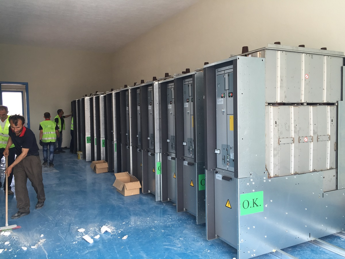 Medium Voltage Switchgear Installation Elektrovar Mhendislik Mediumvoltage Switching Of Capacitors And Filter Circuits